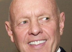 Muere Stephen Covey después de accidente