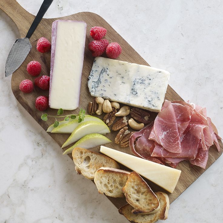 Our classic combination of American Grana – Extra Aged Parmesan, Gorgonzola and Artigiano Vino Rosso provides the perfect balance of textures and flavors to your next cheeseboard.