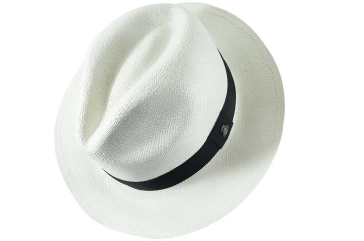 CLASSIC WHITE- The most famous hat and our Best Seller. 100% handmade with #toquilla straw in Ecuador. It is a timeless accessory made with love by local craftsmen (we call them the Artists). #panamahat