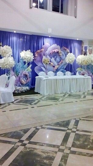 Big flowers wedding