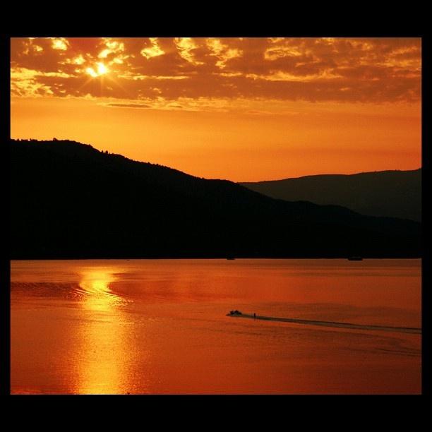 Best time for ski - sunrise