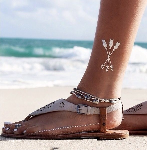 B☮H☮ Babe • triple arrow flash tattoo + ankle jewelry + vintage sandals each arrow with a different tail