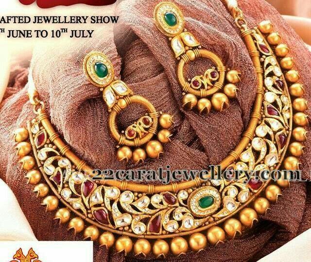 Traditional neckpiece