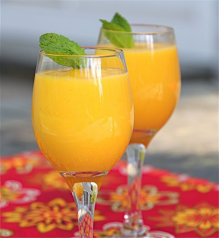 senses.se lär dig fixa den perfekta Mango smoothien.