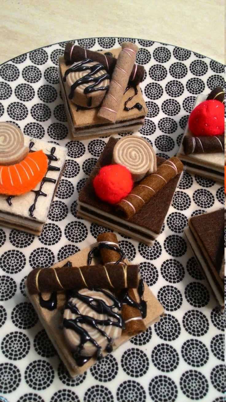 biscuit italian, tortine decorate, pasticcini, dolci finti, feltro,  pastry felt,  Pasticceria di feltro, sala pranzo, etsyitaliateam di Lunambra su Etsy