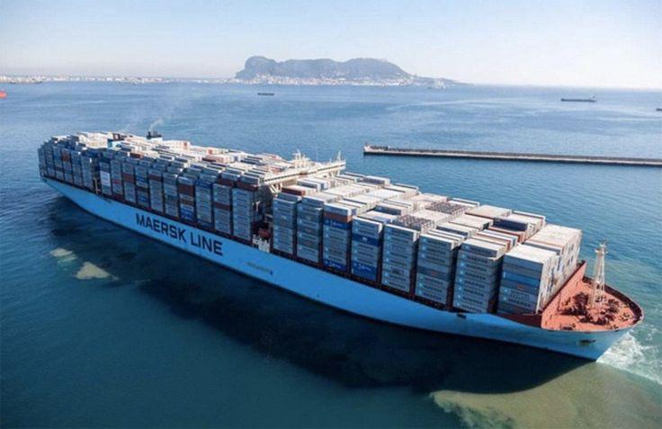 This #giant #containership carrying 18.168 #containers TEU !!! Maersk Mc-Kinney Moller la ut fra Algeciras i Spania 26. januar 2015 med 18.168 containere om bord. Det er verdens første med over 18.000 TEU i lasten. Kursen er satt mot Malaysia.