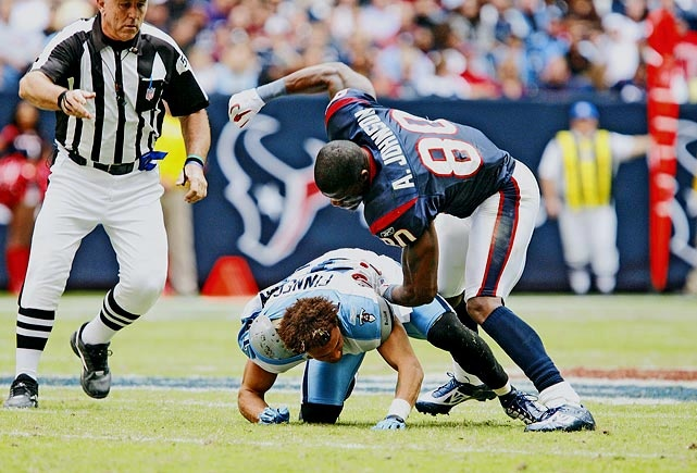 Andre Johnson doing what everyone in North America wants to do to Cortland Finnegan! lol
