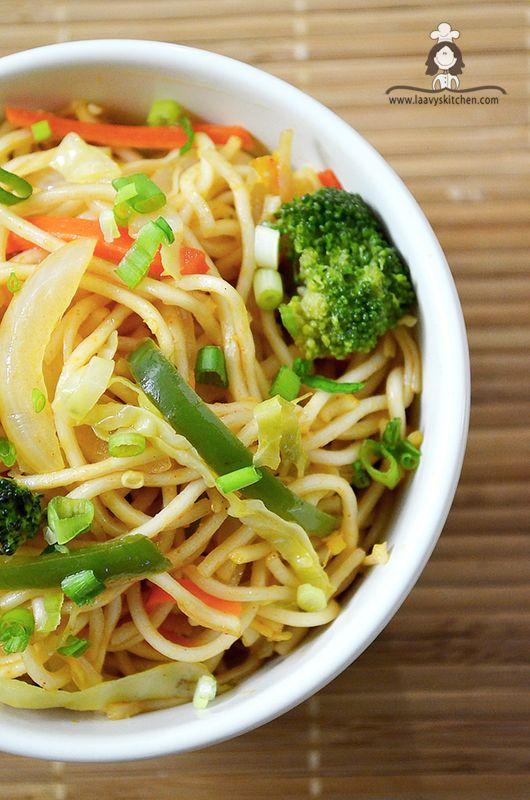 : Veg Hakka Noodles / Chow mein Noodles with Peanut sauce