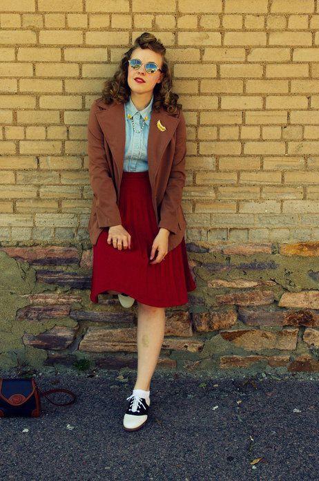 Bugle Joy Skirt in Scarlet | Mod Retro Vintage Skirts | ModCloth.com