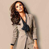 Damesmode en dameskleding online. Van casual en stoere dameskleding tot klassieke...
