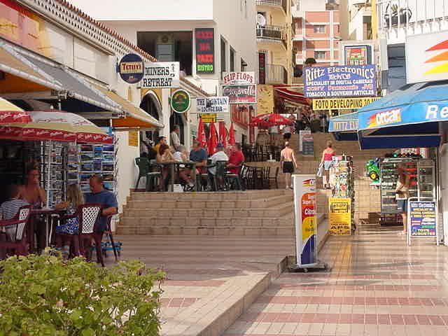 shops in Los Cristianos