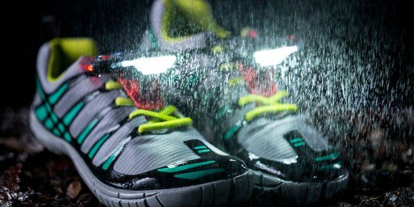 Совершайте пробежки с подсветкой для обуви Night Runner 270