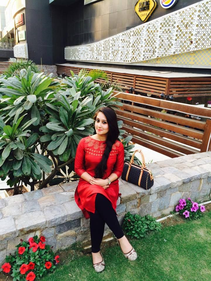 Red is for the looks that kill. Neha Sharma adores this beautiful W Kurta. #WLoverInCity
