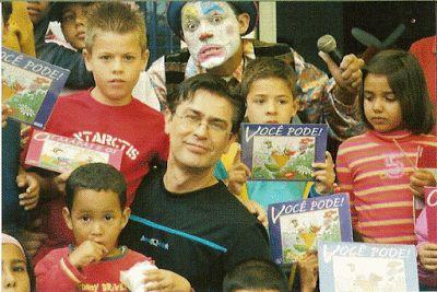 Tony Fernandes Estúdios Pégasus: JOTAH! O autor da TURMA DO BARULHO, concede uma ót...