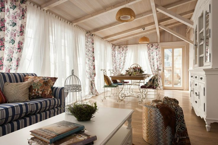 adelaparvu.com despre decor romantic la interiorul unui conac restaurat, vila Rusia, designer Lada Podolsky, DeCity (23)