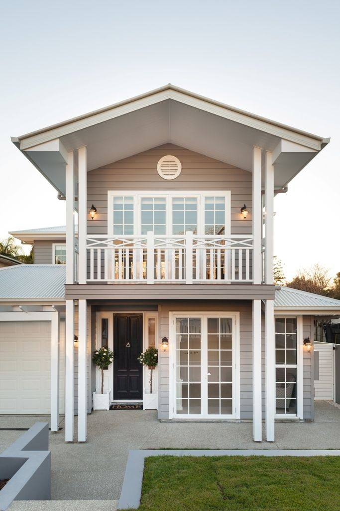 Best 20 balcony railing ideas on pinterest for Hampton style homes