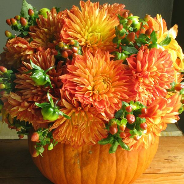 Pumpkin Centerpieces for Your Thanksgiving Table
