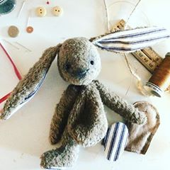 🐰🐰🐰 work in progress on a little bunny... Still a lot to do on him but we can already see how a nice boy he is gonna be 😉😍 . . . #fannyficelle #animaldoll #teddybunny #workinprogress