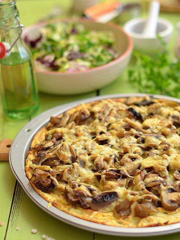 Pizza z ziemniaków z mnóstwem pieczarek