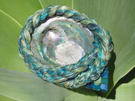 Flax Weaving - Paua jewellery or soap container