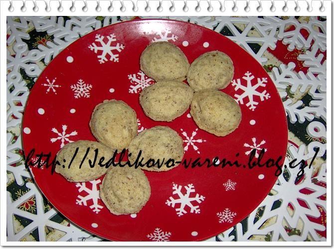 Jedlíkovo vaření: Cukroví vánoční, plněné ořechy #xmas #christmas #baking #cukrovi #vanoce #orechy