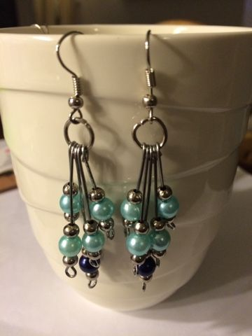 CreaKarin: Zelf sieraden maken #earrings #diy #beads #charms For my girl, with my girl!