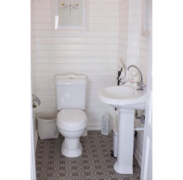 Inside picture from little guest toilet #toilet #toalett