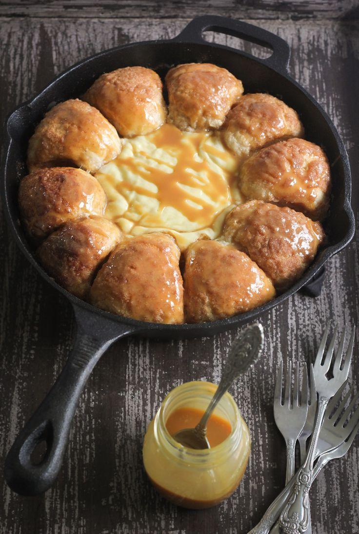 Cinnamon Skillet Bread with Warm Cheesecake Dip | Sprinkle Bakes