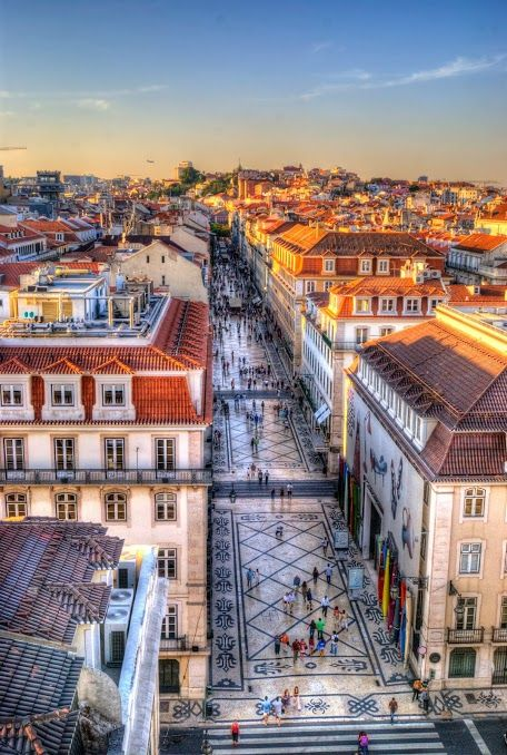 How beautiful is Lisbon! Check our article to see what are the top 10 things to do in Portugal: http://www.topuniversities.com/where-to-study/europe/portugal/portugal-ten-things-do