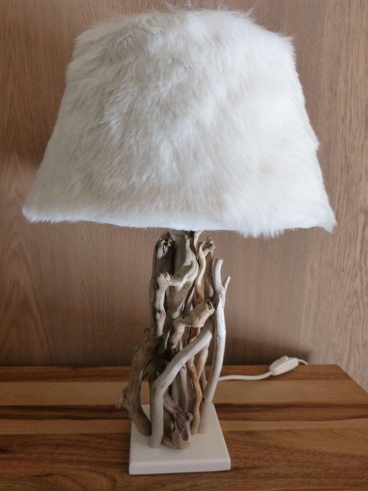 lampe kol o de bleu nature avec abat jour fausse fourrure d couvrir chez mon chalet design. Black Bedroom Furniture Sets. Home Design Ideas