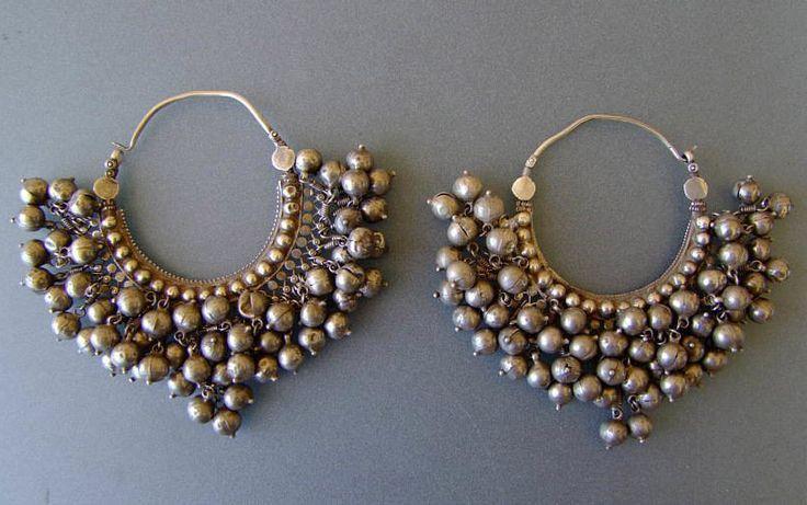 melikmuradova: India | 'bali' Pendientes de plata ~ ~ | 19/20 del siglo. Himachal Pradesh
