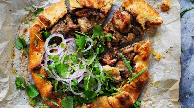 Chicken and mushroom field pie