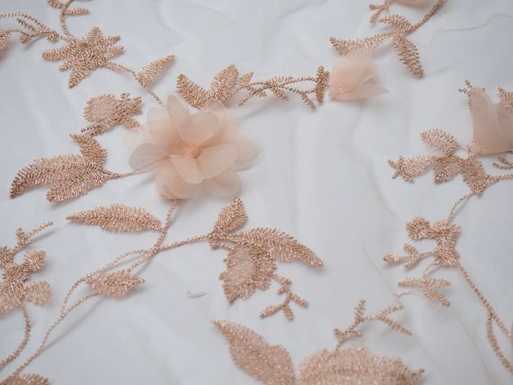 So many new delicate designs ☺️ Our ready wear laces are ready to go. Delivery time: 1-2 weeks 🌸✨ laceandembroidery#weddingplanning #weddingtips #vogue #designer #weddingdressdesigner #bridal #bridalcouture #bridalfashion #bridaldesigner #weddingphoto