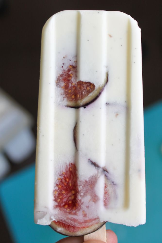 Fig, vanilla and greek yogurt popsicles