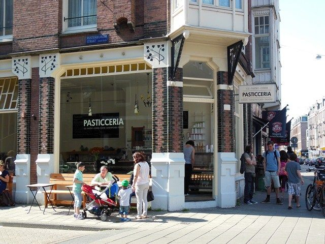 Pasticceria Amsterdam: for coffee and lunch at the Van Woustraat | http://www.yourlittleblackbook.me/pasticceria-amsterdam/