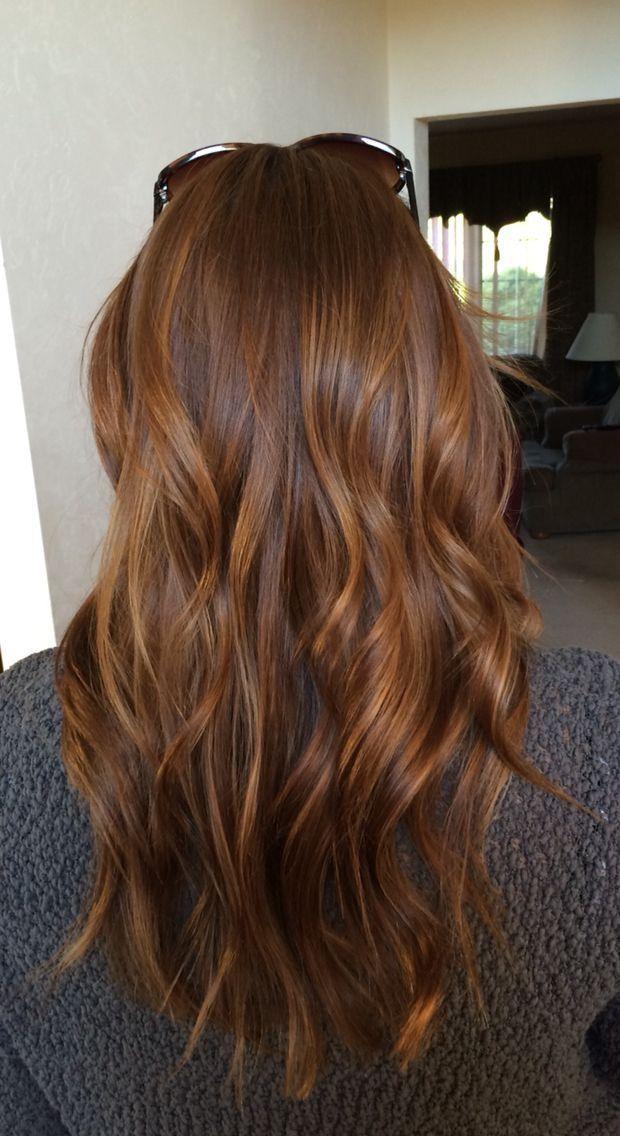 Glänzendes kastanienbraunes Haar