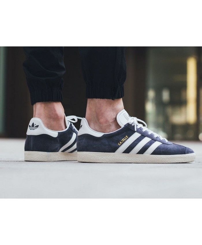 huge selection of bfae9 5c38a Mens Adidas Gazelle Royal Blue Trainer