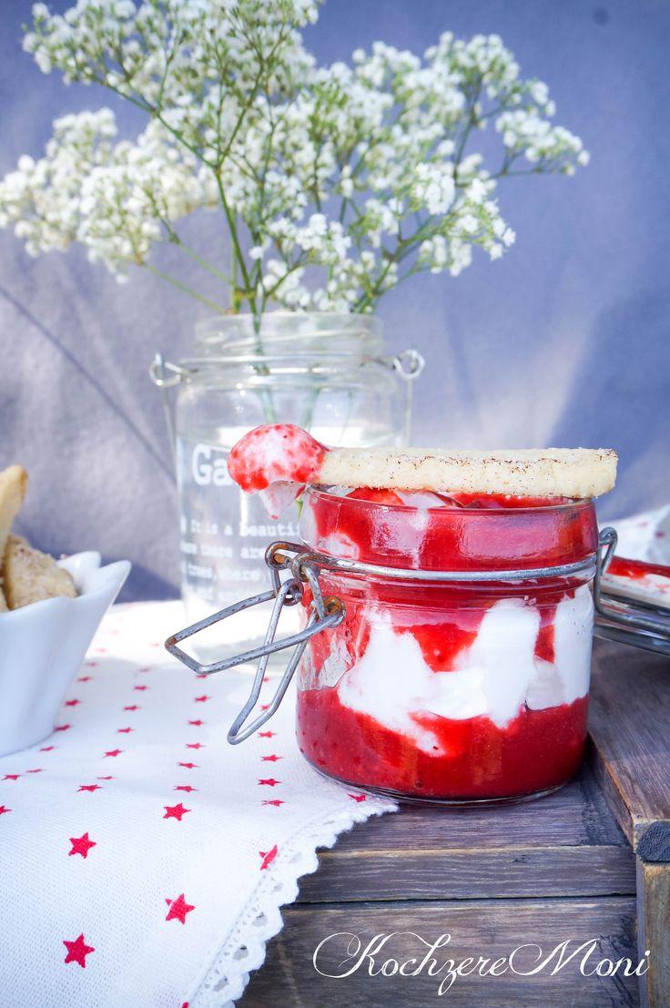 Teigfritten mit Zimtzucker und mit Marshmallow Rosen Dip