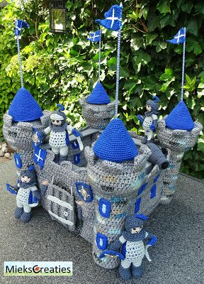 Miek Creations: Crochet Pattern Castle