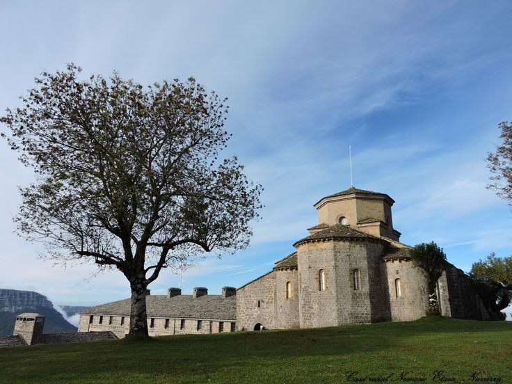 Santuario San Miguel de Aralar Navarra# Sakana#