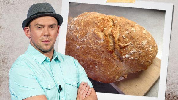 Inspektor Láďa Hruška vyzkoušel recept na domácí chléb. Příprava není náročná. Výsledný bochník je levný a hlavně chutný!