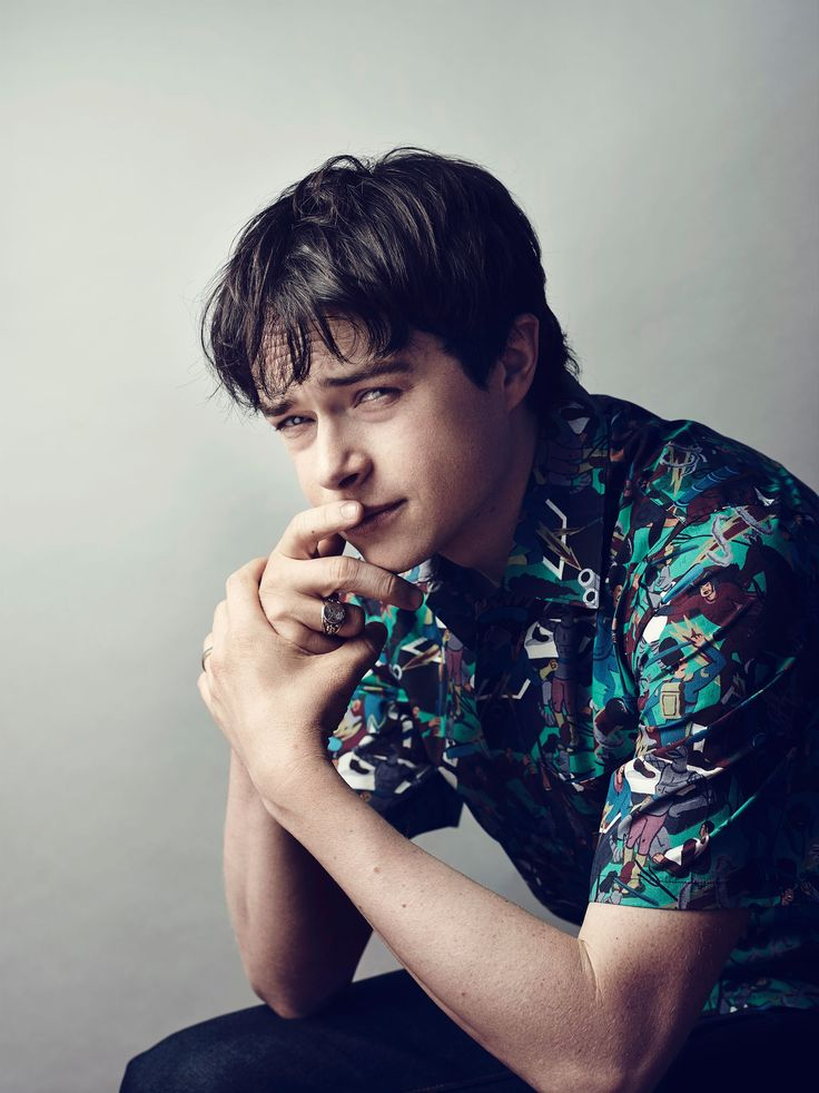 Dane Dehaan, my ultimate crush, why don't u do more modelling and postin new pics? My phone's full w/ yer pics and whenever I try ta search for new ones, they're all the same :(( Don't tell me Anna the sis of Woody restricted u so that she could stop people frm admiring u more or even much as me <3