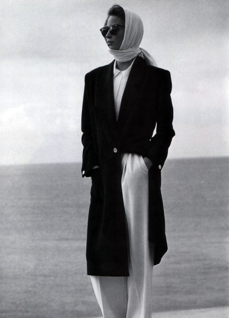 inspiration for www.duefashion.com Calvin Klein, American Vogue, March 1989. #ChristyTurlington #TopModel #Fashion