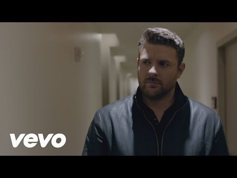 Chris Young Talks New Album, No. 1 Song, & Thanksgiving [INTERVIEW] « K-FROG 95.1 FM and 92.9 FM – New Country