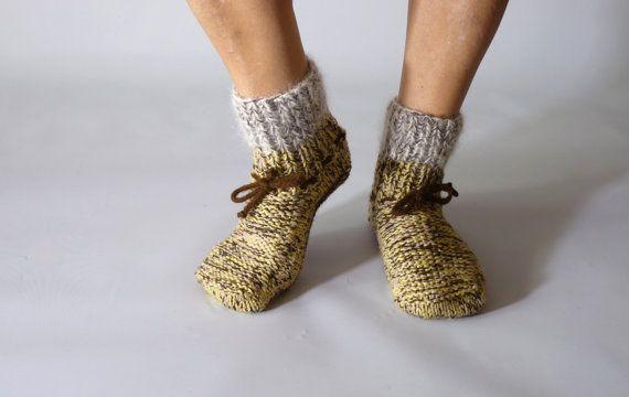 Handknitted woolen socks unisex size medium hand knit by Brownsley, €15.00