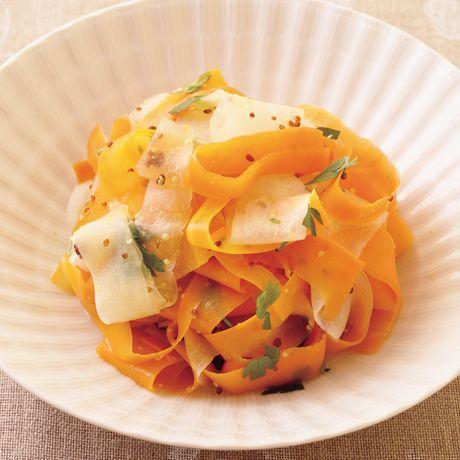 大根とにんじんのスライスサラダ | 有馬邦明さんのサラダの料理レシピ | プロの簡単料理レシピはレタスクラブニュース