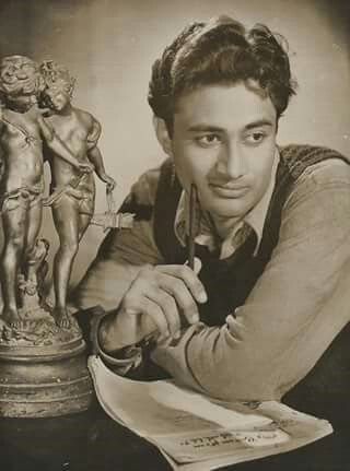 Evergreen #DevAnand Saab. What a great actor & a superb personality.  #bollywood #bollywoodirect  www.bollywoodirect.com