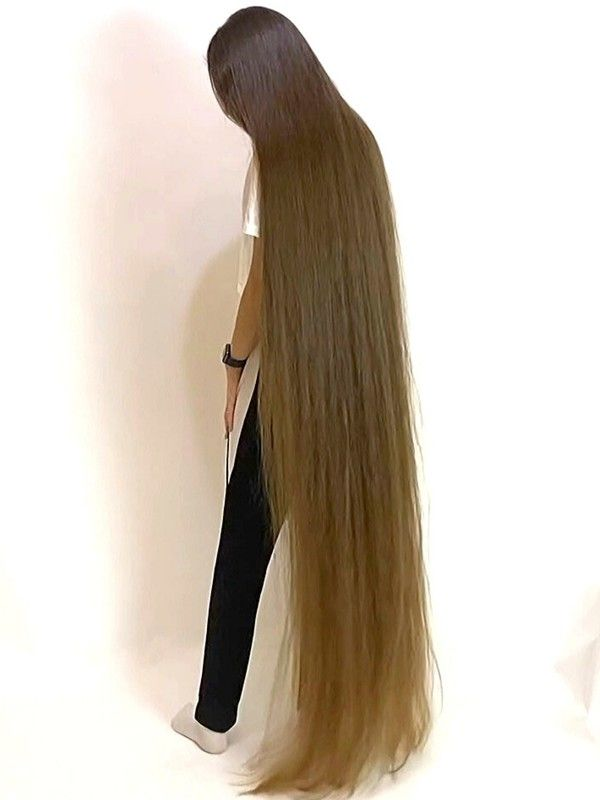 Video The Definition Of Perfect Long Hair In 2020 Long Hair Styles Long Shiny Hair Long Hair Play