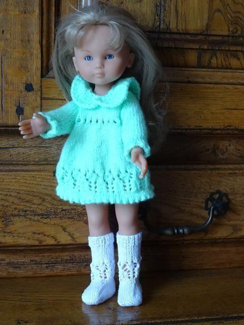 Fiche gratuite vêtements de poupée N° 174: robe et chaussettes