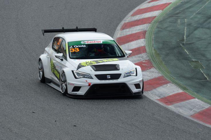 J.Oriola with the new SEAT Leon Cup Racer at the Circuit de Barcelona-Catalunya